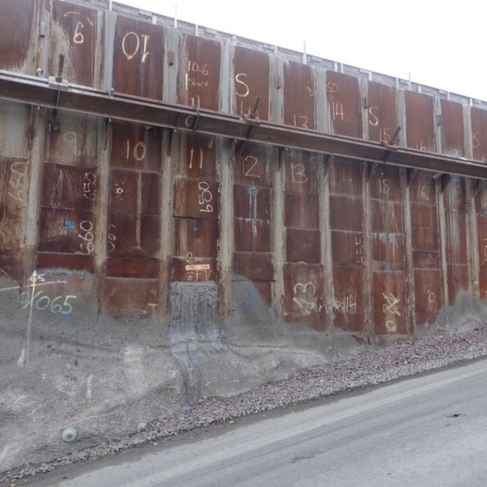 Felstunnel Akalla, Trägerbohlverbau mit Stahlausfachung