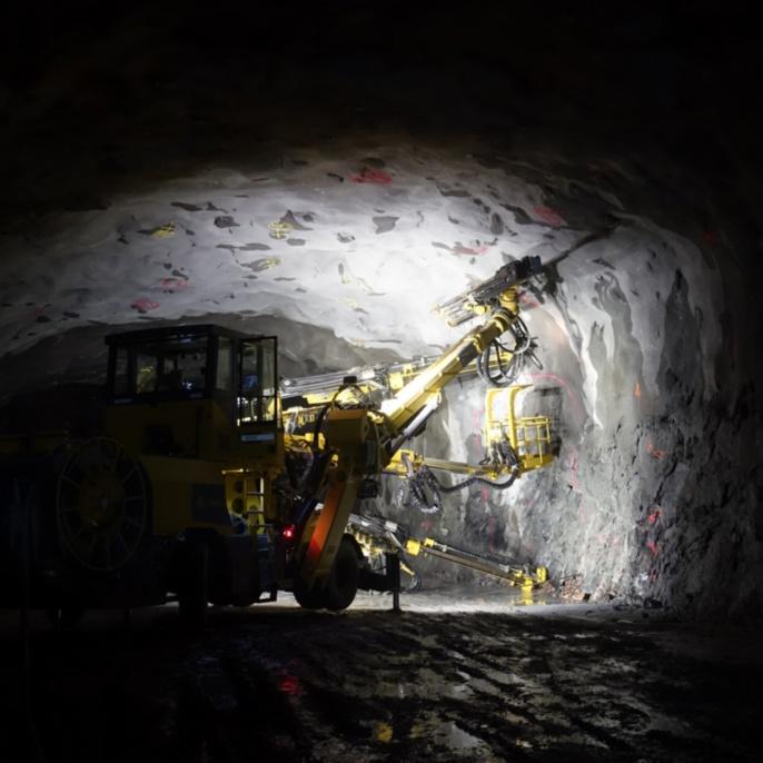 Felstunnel Akalla, Bohrungen für Felsanker