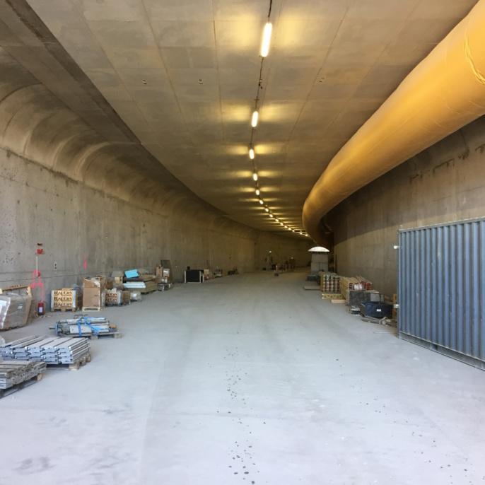 Marieholmstunnel, Göteborg. Blick vom Portal in den fertiggestellten Tunnel