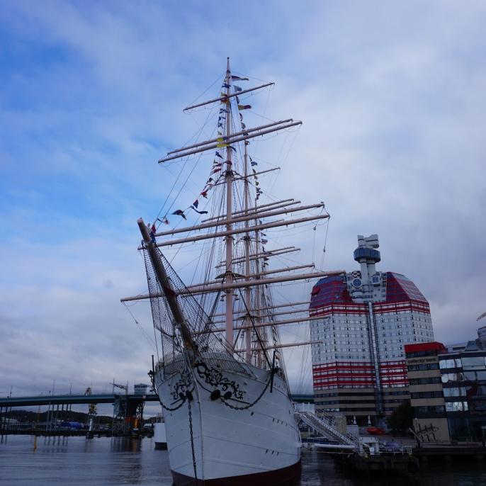 Eines der Wahrzeichen Göteborgs, der Läppstiftet (dt. Lippenstift) am Fluss Göta älv