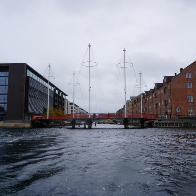 Fahrradbrücke Cirkelbroen im Stadtteil Christianshavn, Kopenhagen
