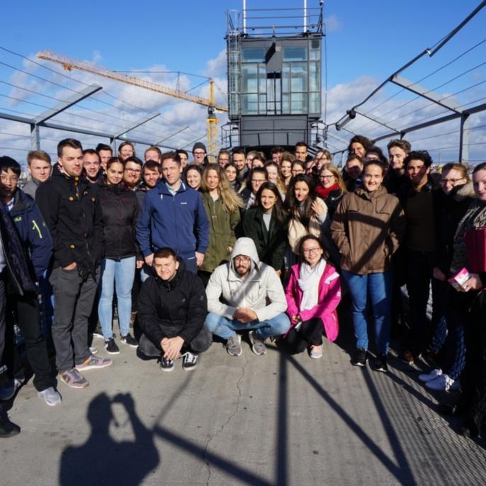 Gruppenfoto auf der Aussichtsplattform des Katarinahissen